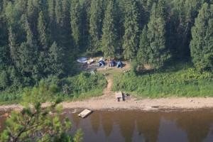 Вид сверху на наш лагерь